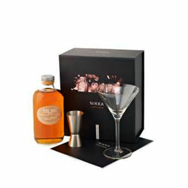 Nikka Pure Malt White Pack Perfect Serve Whisky